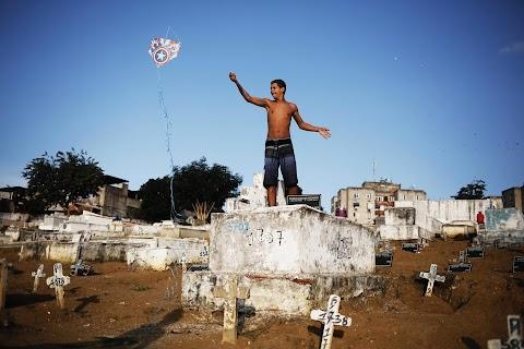 Rio's kite runners
