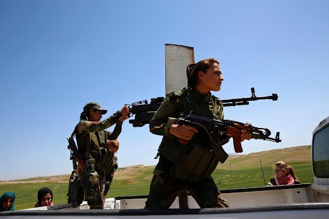Yazidi women fight Islamic State