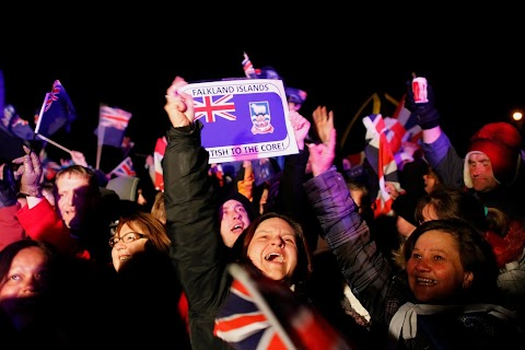 Falkland islanders cast their vote