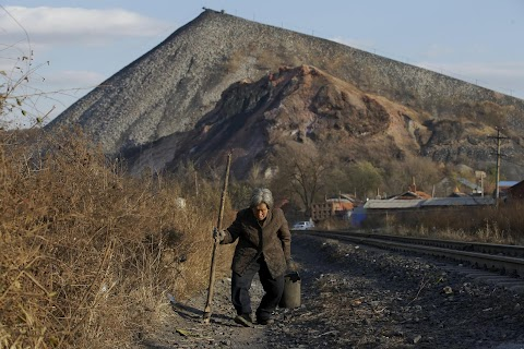 China coal bears scars of growth