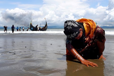 Persecuted Rohingya Muslims flee violence in Myanmar