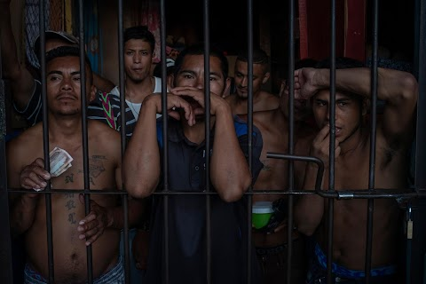 Cut off by coronavirus: Hondurans in packed prison suffer mental toll