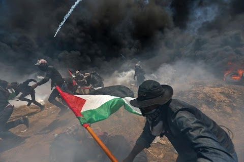 """A Gaza photographer in """"a place of death"""""""
