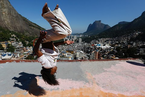 Teaching community through capoeira