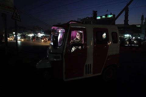 Pakistan's 'Pink Rickshaw'