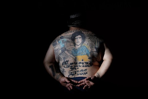 Argentines celebrate \u0027eternal love\u0027 for Maradona with tattoos