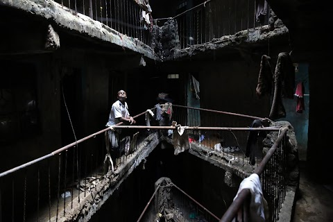Tearing down condemned homes in Nairobi