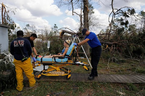 Volunteers rush to aid survivors after Hurricane Michael