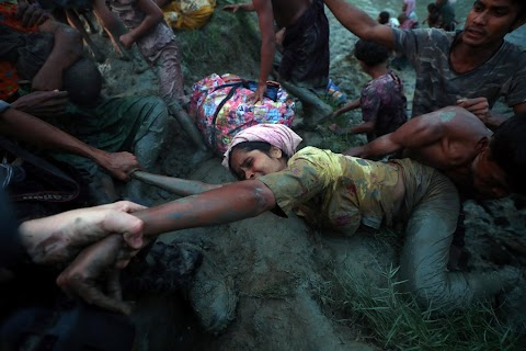 Reaching out to rescue a Rohingya woman
