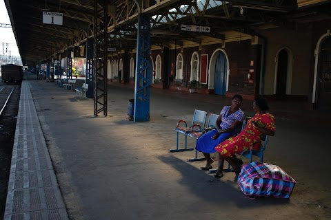 Zimbabwe's dingy trains mirror economic decline