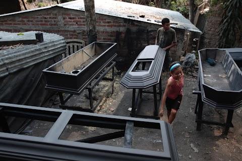 El Salvador's coffin town