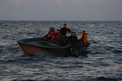 Libyans flee country by boat