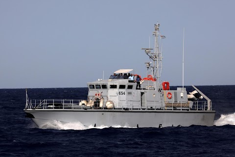 Spanish migrant rescue ship threatened by Libyan coastguard