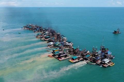 Mining tin from the sea