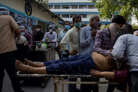 Documenting the death of a COVID patient outside a Delhi hospital