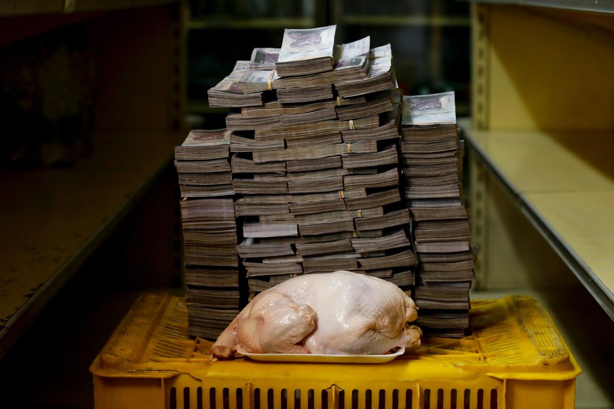 10 Incredible Photos From Venezuela Show The Severe Risks Of Currency Devaluation Q R5ChVKlRml3tKGh9ARAEev4y2KSNdQbqiICFa pxGyaRpId2cmqKdmSQEteSjsVScysrOp5sa0KlAB4P6qUyNe4QJxknHy1lbZN1iY ZYVLBh2R9yOh96IgGgMQWRR
