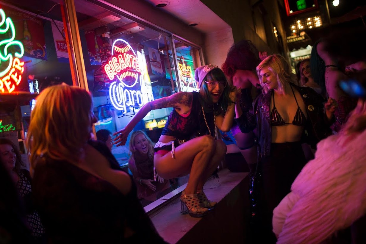 san-francisco-transvestite-entertainment-club-virgin-pussy-slammed