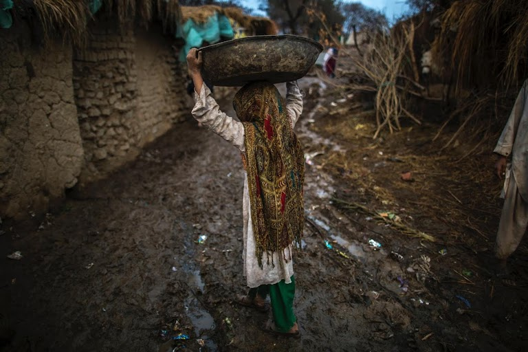 In the slums of Islamabad | The Wider Image | Reuters