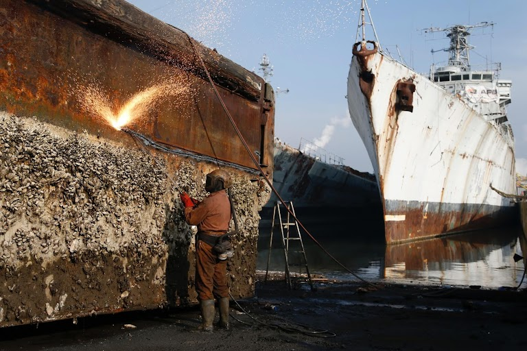 bangladesh ship breaking industry heavy metal The ship breaking and recyc ing industry in south asia  polychlorinated biphenyls, radium, poisons and heavy metal  ship breaking industry of bangladesh.