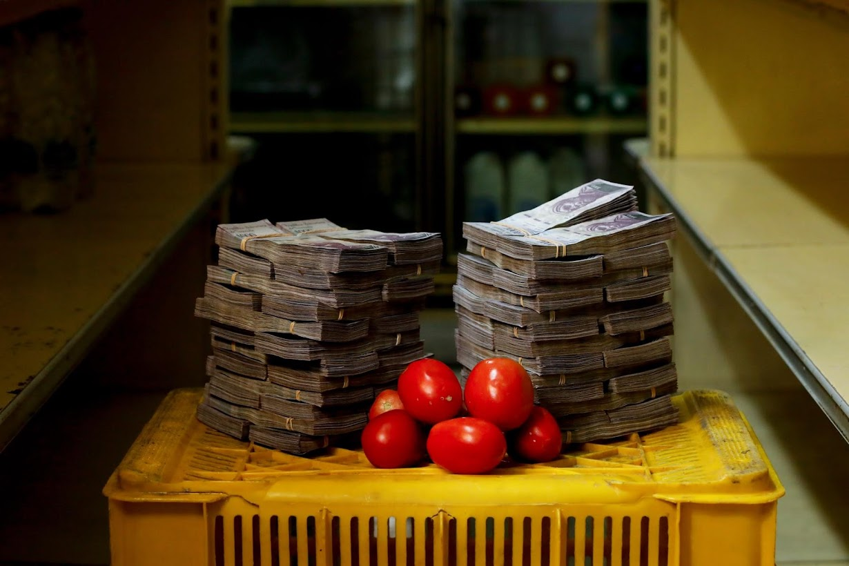 10 Incredible Photos From Venezuela Show The Severe Risks Of Currency Devaluation e9hyHkaRFZdDV jLZuTS6g2zgxBFGuAW7HxyEW8J4f0Z3ISGusyrCJ2OJ47TwRkN06zHpndP0nluPci8PtKDhg