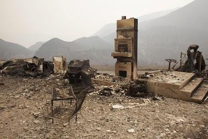 Wildfires rage in western U.S.