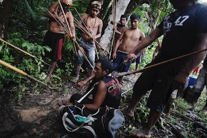 Manhunt for wildcat miners