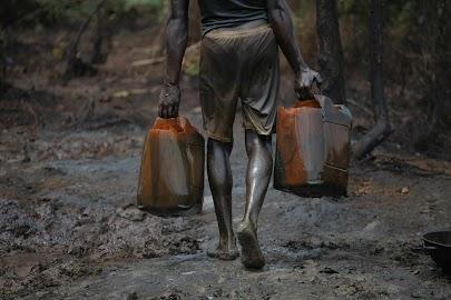 Nigeria's illegal oil bunkerers